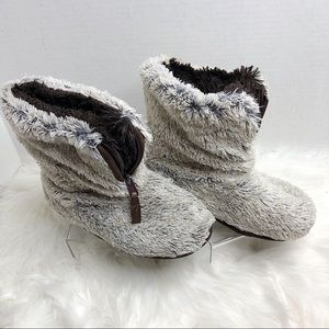 DEARFOAMS White Brown Pile Boot Slipper w/ Zipper